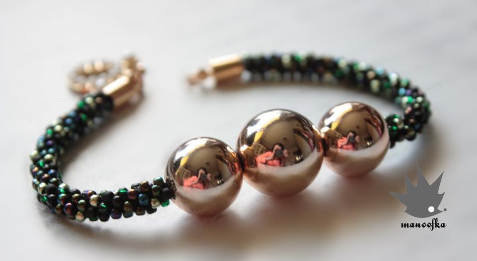 """Bransoletki """"big beads outside""""."""